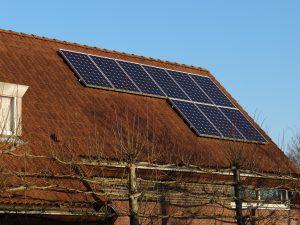zonnepanelen-in-nederland-plaatsen-schuindak