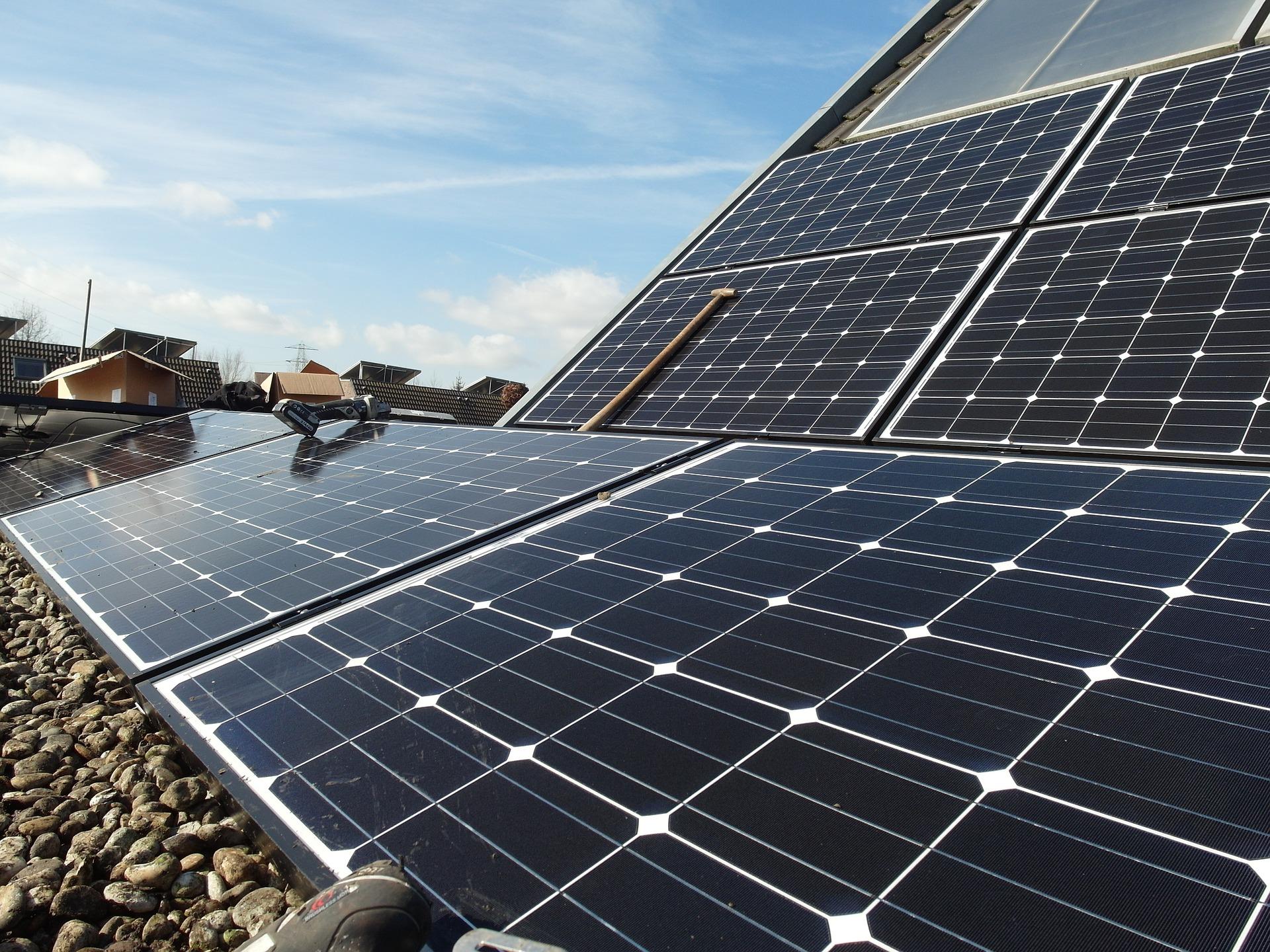zonnepanelen-verschillende-panelen-plaatsen