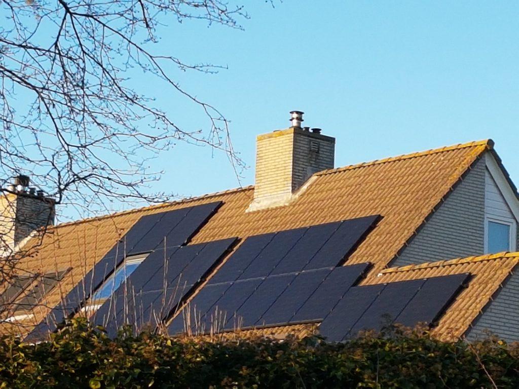 Zonnepanelen plaatsen Nieuw-Vennep